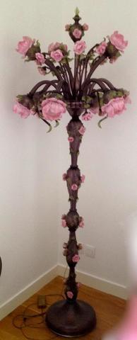 MURANO - Importante lampe sur pied en verre fumé à décor en relief