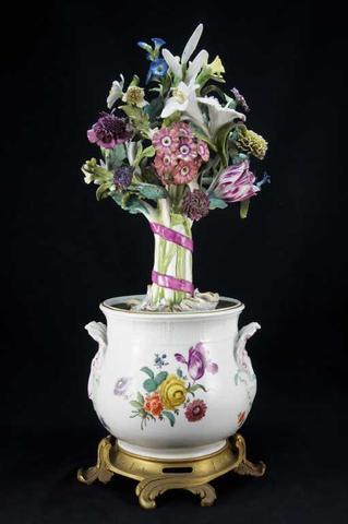 MEISSEN,Ep. XVIIIe siècle, Exceptionnel grand pot en porcelaine contenant