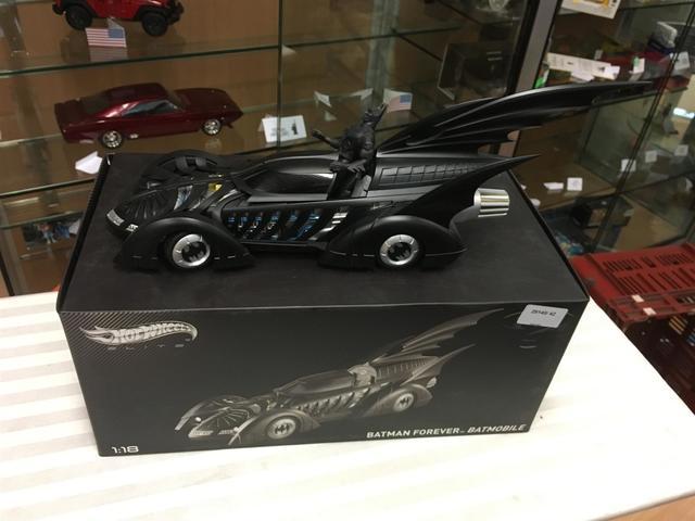 Hotweels Batman forever Batmobile 1/18e  VENDU AU FRAIS JUDICIAIRES