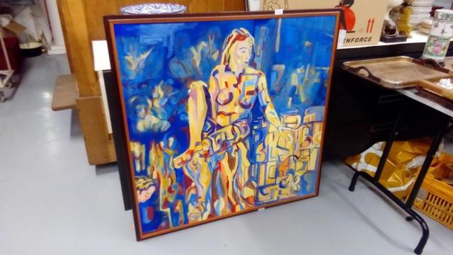 Ecole XXe, Femme, fond bleu, peinture sur toile signée en bas à