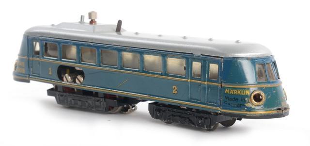 Märklin Automotrice bleue à filet or réf. 700B (retouches de peinture,