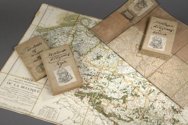 CARTES de la fin du XVIIIe siècle, etc Réunion de 5 pièces entoilées,
