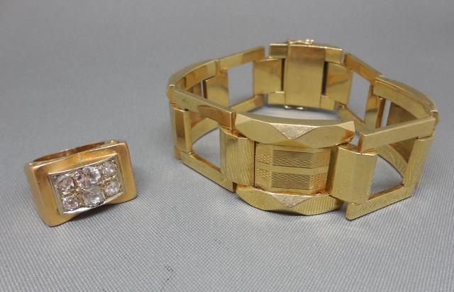Chevalière en or 14K, 585/1000, poinçon Coquille sertie de 5 diamants