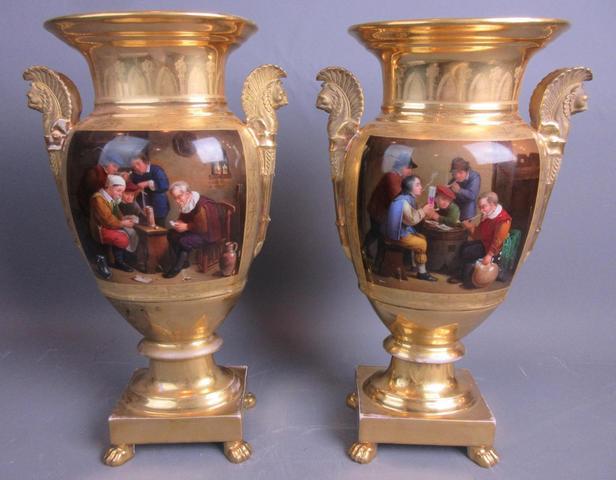 DARTE, Palais Royal. Paire de vases en porcelaine à décor de Scènes