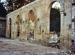 Très belle élévation d'orangerie ancienne à quatre arcades en