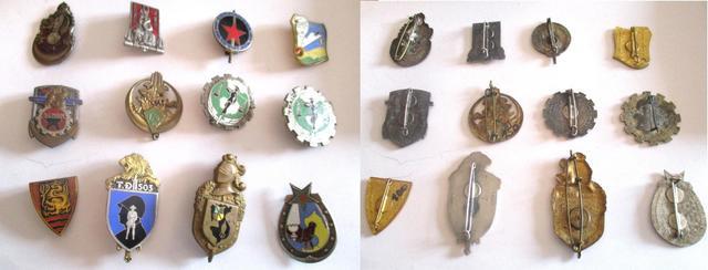Lot de douze insignes d'Indochine dont un insigne de la 129e compagnie