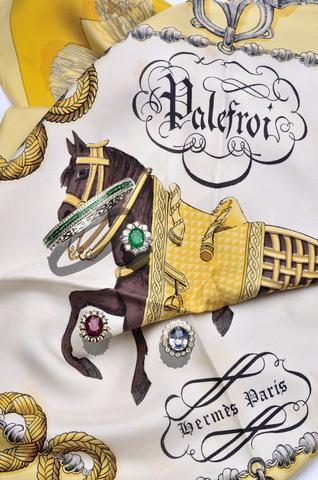 Bagues émeraude, saphir, rubis (certificats), bracelet émeraudes