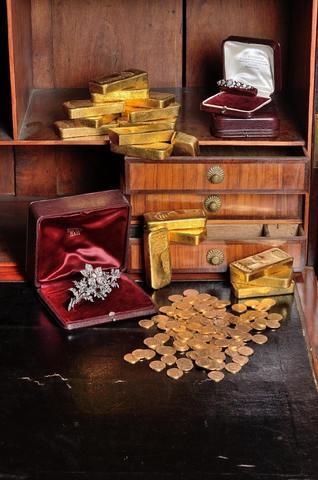 17 lingots, pièces d'or françaises et étrangères