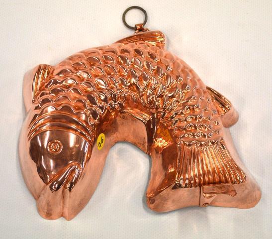 76-Moule en cuivre en forme de poisson cambré pour Kougelhopf d'Avril,