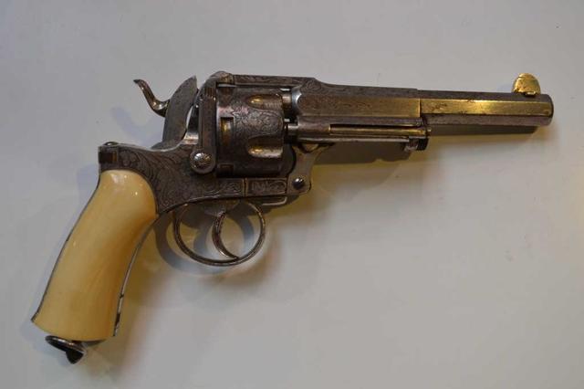 Revolver d'Officier Maquaire. 6 coups, calibre 11/73. Canon à pans,
