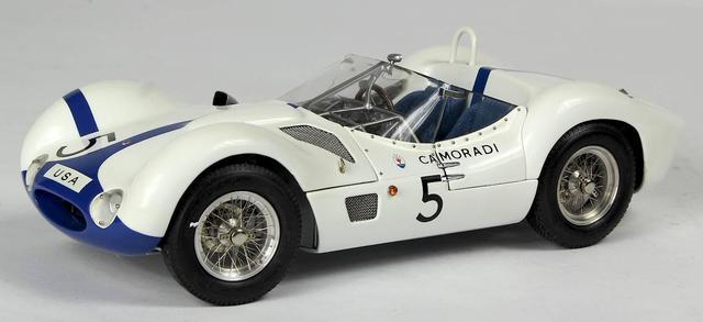 CMC - Maserati Tipo 61 N°5. Echelle 1/18. Certificat d origine, série
