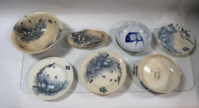 Ensemble de céramiques dont Jules Vieillard à décor d'oiseaux sur