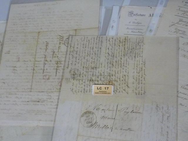 1 lot de lettres oblitérées avec marques et cachets postaux : Nontron
