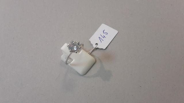 Bague or gris et diamant taille moderne (1,60 cts env.) 2,3g tel tdd
