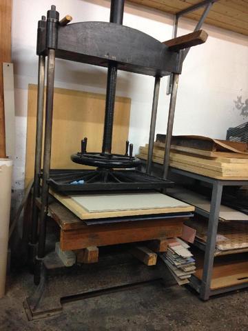 1 grande presse (100x110x70)