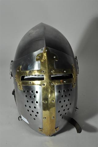 Bacinet de combatde style médiéval - Vendu en l'état