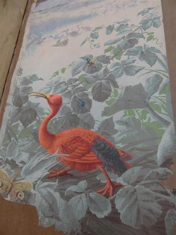 Papier peint en 21 laies à sujet d'oiseaux dans des décors de végétation