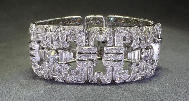 Bracelet Art déco en platine, poinçons tête de chien, sept modules