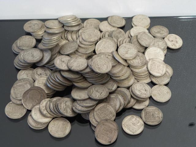IVe REPUBLIQUE (1946-1958) Lot de deux cents MONNAIES en argent de