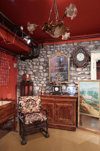 Vente courante, tableaux, mobilier, objets divers...