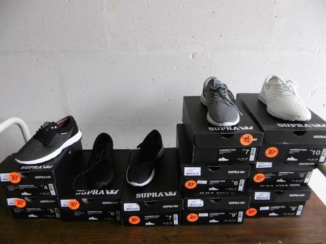 Lot de 10 paires de baskets homme de la marque SUPRA, taille US 4