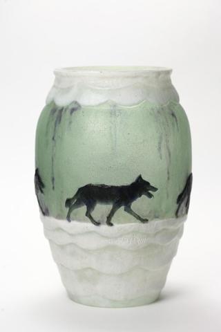 """Gabriel ARGY-ROUSSEAU (1885-1953),""""Les loups dans la neige"""".Vase en"""