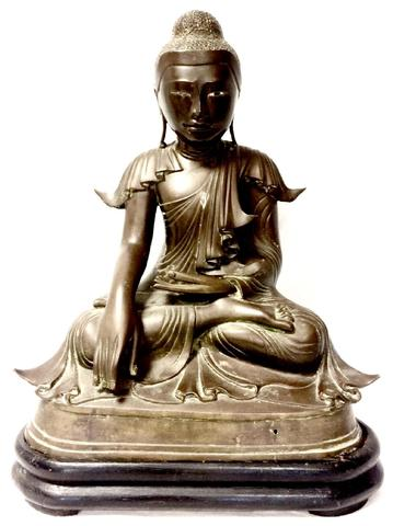 Birmanie, Royaume du Mandalay, XIXème Bouddha Maravijava en bronze