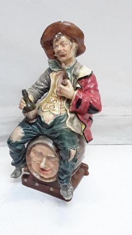 """Sujet en faïence """"Homme sur tonneau"""", H: 40 cm"""