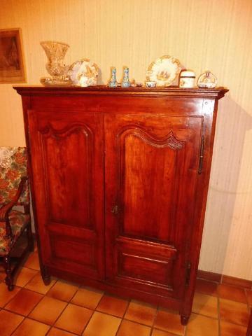 EN UN LOT: l'entier mobilier d'une maison comprenant meubles, objets,