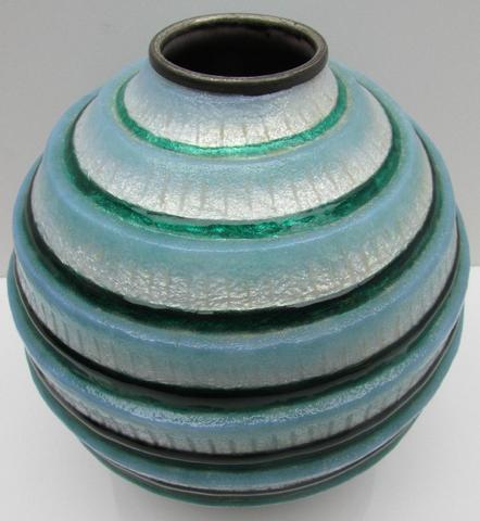 FAURE Camille (1874-1956) . Vase ovoïde à col annulaire. Epreuve