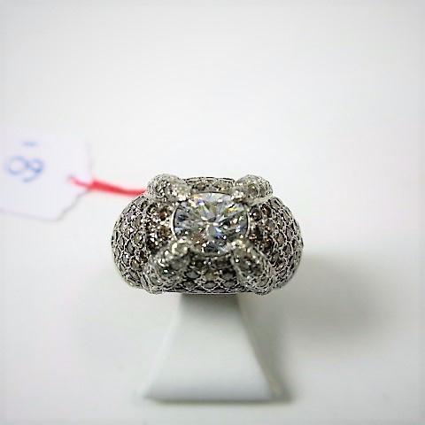 bague or gris doigt 49, ornée d'un diamant central taille ancienne