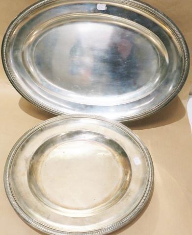 plat rond et plat ovale en argent, bord orné de palmettes. G. Falkenberg