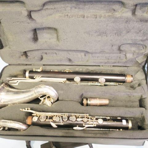 clarinette basse SELMER et mallette