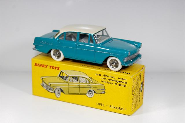 DINKY FRANCE ref 554 Opel Rekord 1961 TURQUOISE/TOIT IVOIRE, couleur