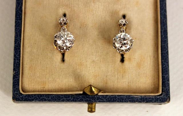 Important lot de bijoux; description à venir