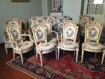 Important mobilier de salon en bois mouluré, sculpté et laqué blanc