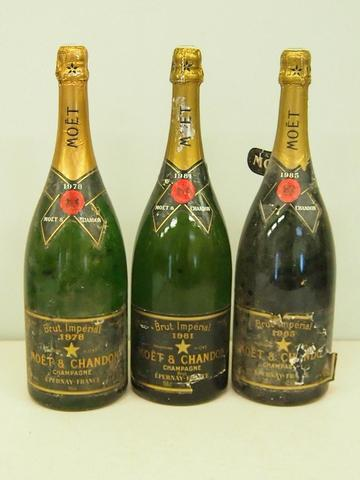 Bel ensemble de magnums MOËT ET CHANDON millésimés