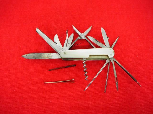 Couteau de poche multifonction ( 16 )