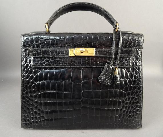 """HERMES, sac """"Kelly"""", croco noir, L: 33 cm, avce cadenas, clef et pochette"""