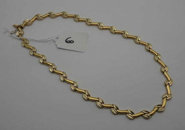 60   1 collier en or de 38 cm    42,6   g