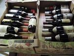 Ensemble de 14 bouteilles de vin de bourgogne