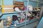 Vendu en un seul lot : vêtements homme-femme-enfant, mercerie, jouets,