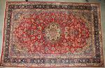 TAPIS D'ORIENT NADJAFABAD laine, décor polychrome de rinceaux et