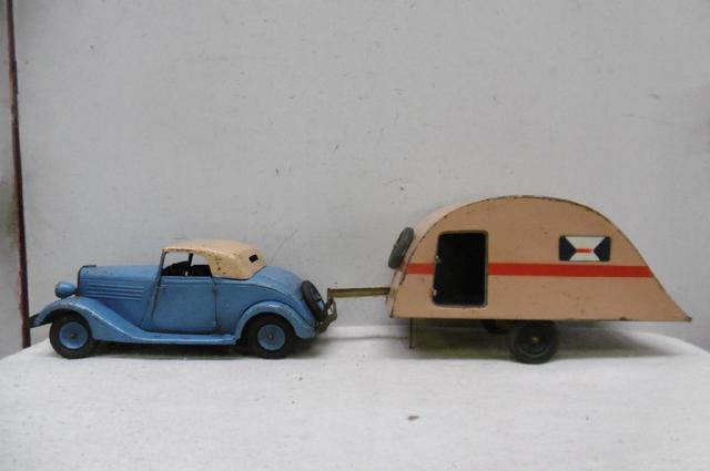 CIJ. tôle peinte, années 30. RENAULT VIVA-Sport, cabriolet avec