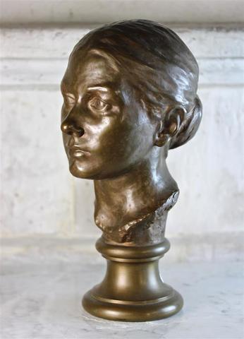Michel CAZIN - Buste de femme en bronze patiné, signé, fondeur F.