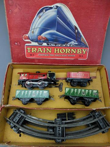 HORNBY MECCANO - COFFRET TRAIN comprenant LOCOMOTIVE A VAPEUR TENDER,