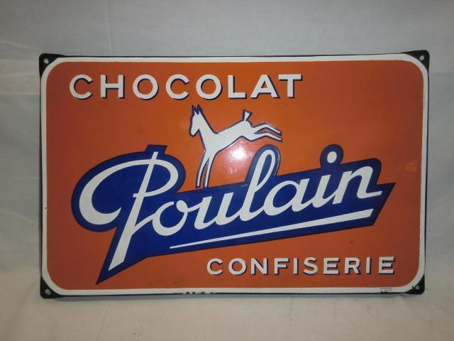 Plaque en tôle émaillée pour les chocolats Poulain, 30 x 47.5 cm