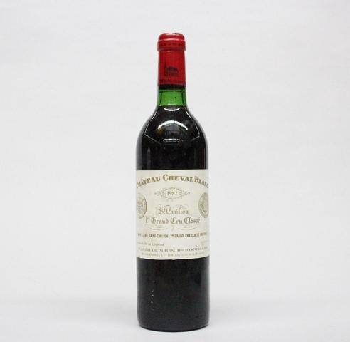 1 B Cheval Blanc Saint-Emilion 1er GCC 1982