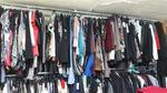 Environ 900 pièces (prototypes): jupes, robes, manteaux, pantalons Lot