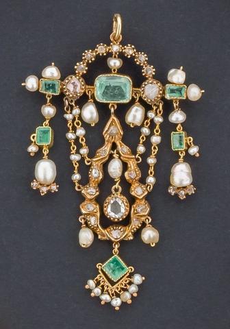 Rare pendentif or 750 millième, orné de diamants taille rose, de